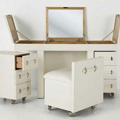 Make Up Combination Diva white by Kare Design. Vintage Furniture, Diy Furniture, Furniture Design, Modern Furniture, Kare Design, Small Dresser, Space Saving Furniture, Small Space Living, Decorating Small Spaces