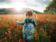 Into the Poppies! Into the Poppies - Winterthur, Switzerland – John Wilhelm John does such a great job describing the story behind himself and this image I am going to let you get right to it . By the way if you remember this really cool image of Little Girl Pictures, Little Girls, Grandparent Photo, Poppy Photo, Free Iphone Wallpaper, Iphone Wallpapers, Beach Kids, Belleza Natural, Red Poppies