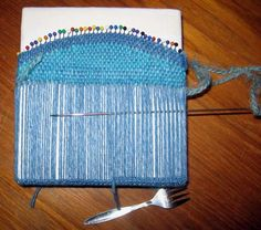 General instructions for all-in-one bag by Ruth Weaves on Weavolution Pin Weaving, Weaving Yarn, Weaving Textiles, Weaving Patterns, Basket Weaving, Tapestry Bag, Tapestry Weaving, Peg Loom, Yarn Thread