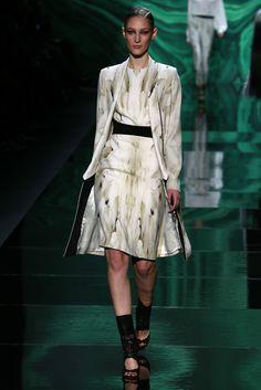 New York Fashion Week   Monique Lhuillier RTW Fall 2013   #Runway, #Fashion Week WWD.com   Photo by Thomas Iannoccone #NYFW13
