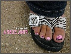 Cute Easy Blog Nail Art 14 Pink Zebra Toes ooo cute might have to try pink and black zebra on my toes sometime :)