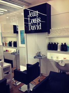 Salão cabeleireiro, Vila Nova de Gaia, Portugal. Projecto elaborado pela nossa equipa de criativos. Contactos: Telm.916242918 filipefrancisco@expocabeleireiros.com