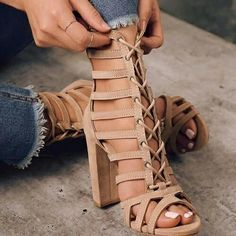These nude cage sandals are FIRE. – Street Style Rocks These nude cage sandals are FIRE. These nude cage sandals are FIRE. Hot Shoes, Women's Shoes, Me Too Shoes, Shoe Boots, Boot Heels, Dream Shoes, Crazy Shoes, Caged Sandals, Heeled Sandals