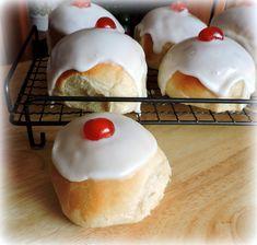 British iced buns