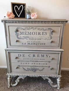 Pin by Shabby & Craft on Tecniche in 2019 Decoupage Furniture, Chalk Paint Furniture, Funky Furniture, Refurbished Furniture, Recycled Furniture, Unique Furniture, Shabby Chic Furniture, Diy Furniture Projects, Furniture Makeover
