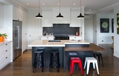 Maggie Gardner Design is an independent design studio specialising in residential kitchen, bathroom, and laundry spaces and other interior cabinetry. Maggie is based in Auckland and works on renovations and new home builds throughout NZ. Funky Kitchen, Beautiful Space, Building A House, Kitchen Design, New Homes, House Design, Interior, Modern, Projects