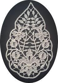 Risultati immagini per disegni per ricamo aemilia ars