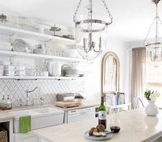 kitchen open shelves expositive tableware