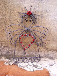 angel with red heart Wire Angel! Diy Angels, Beaded Angels, Wire Wrapped Jewelry, Wire Jewelry, Jewelry Art, Wire Ornaments, Angel Ornaments, Christmas Angels, Christmas Crafts