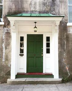 17 photos that will inspire you to repaint your front door immediately - Modern Exterior Door Colors, Front Door Paint Colors, Painted Front Doors, Exterior Doors, Entry Doors, Paint Colours, Exterior Design, House Front Design, House Front Door