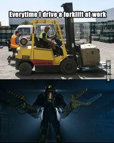 Aliens vs Forklifts
