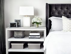 Contemporary-bedroom-side-tables-bedroom-contemporary-with-white-bedding-upholstered-headboard-upholstered-headboard-4.jpg (990×766)