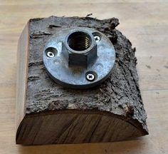 Rough Wood: Face plate on turning blank
