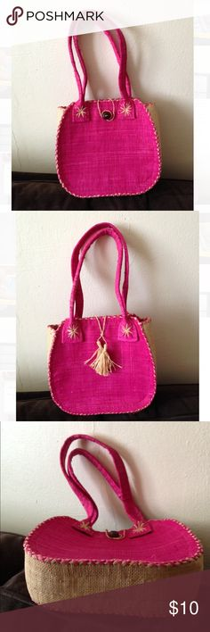 Pink Straw Summer Purse Perfect Summer Straw Purse in Beautiful Vibrant Fuchsia * Tightly Woven Straw Soft to the Touch Straw * Wooden Button * Mint Condition * Never Used Bags