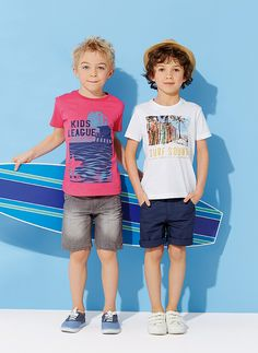 T-shirt de mangas curtas Boys Summer Outfits, Summer Boy, Boy Outfits, Fashion Kids, Baby Boy Fashion, Hot Teenagers Boys, Kids Boys, Four Kids, New Kids