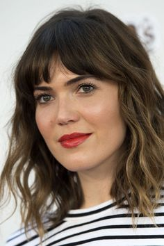 Mandy Moore Is Parting Ways With the Home She Shared With Ex Ryan Adams Mandy Moore Is Parting Ways With the Home She Shared With Ex Ryan Adams – Farbige Haare Curly Hair With Bangs, Hairstyles With Bangs, Curly Hair Styles, Ombre Bob With Bangs, Haircut Wavy Hair, Mid Length Hair With Bangs, Long Bob With Fringe, Thin Hair, Mandy Moore Short Hair