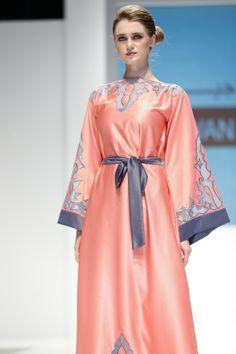 bfd645c523 A Chit Chat with Arabia Weddings: Jiwwan #Arab #Abaya #Fashion Arab Fashion