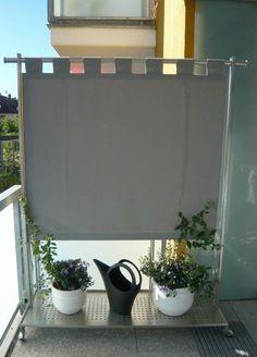 Windschutz, Sichtschutz. Paravent und Edelstahlgarderobe in einem Rutsch