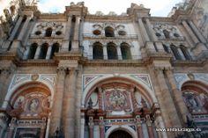 """#Málaga - Catedral de la Encarnación - 36º 43' 3"""" -4º 24' 36"""" / 36.717500, -4.410000 Los Reyes Católicos ordenaron construir el edificio. Se le conoce popularmente como La Manquita.La catedral de la Encarnación es uno de los monumentos más importantes de la ciudad. La torre sur y fachada principal están inacabadas. Se ubica en el centro histórico de la ciudad. La construcción se asienta donde existió una mezquita-Aljama."""