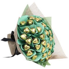 This chocolate bouquet features 40 Belgian chocolate hearts. Time to celebrate a golden wedding anniversary? Lindt Chocolate, Luxury Chocolate, Chocolate Brands, Chocolate Hearts, Chocolate Bouquet, Love Chocolate, Birthday Chocolates, Birthday Candy, French Donuts