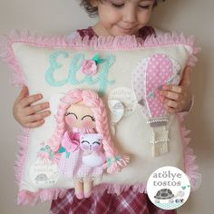 Pretty pillow for a girl Sewing For Kids, Baby Sewing, Cloud Nursery Decor, Felt Crafts, Diy Crafts, Living Room Decor Pillows, Shabby Chic Pillows, Baby Mobile, Felt Baby