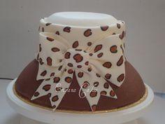 Theme Cakes, Fun Cakes, Cake Decorating, Decorating Ideas, Hat Cake, Specialty Cakes, Occasion Cakes, Amazing Cakes, Kos