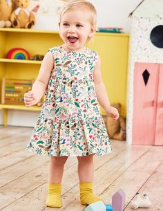 a9f189e8f975 Baby Boden Tiered Corduroy Dress in Multi Peculiar Pets, size 2-3 Die  Kleinen