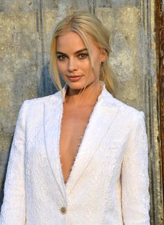 Margot Robbie Givenchy Spring 2016 Fashion Show at New York Fashion Week