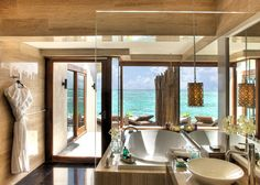 Home Design, Modern Bathtubs Design With Ocean Views Designs For A Small Bathroom: Luxury Style Ideas Of Home Interior Design Hotel In Maldives