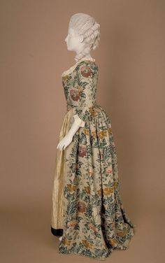 18th century 'open gown' - fabric woven about 1736-38, possibly in Spitalfields, London, the gown made about 1770-80.