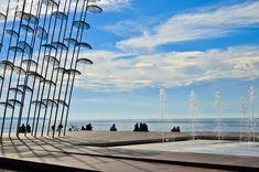 Μαγεύει όλο τον κόσμο η νέα παραλία Θεσσαλονίκης. Οι 12 διεθνείς διακρίσεις! Macedonia Greece, Thessaloniki, Louvre, City, Building, Beach, Water, Travel, Outdoor