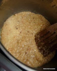 Tätä meillon leivottu nyt jo toisen kerran tällä viikolla! On vaan niin hyvää ettei sanotuksi saa:) 2,5 dl vettä 1 pss kuivahii... Risotto, Mashed Potatoes, Oatmeal, Food And Drink, Rice, Baking, Breakfast, Ethnic Recipes, Drinks