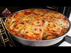 ABARTMIYORUZ!! BAYAT EKMEKLE BU KADAR LEZZETLİ OLDUĞUNA İNANAMAYACAKSINIZ-Pratik Yemek Tarifleri - YouTube My Recipes, Cooking Recipes, Eggplant, Lasagna, Quiche, Pasta, Oven, Food And Drink, Dishes