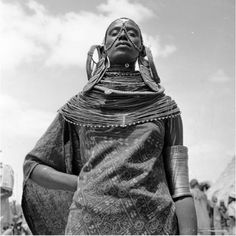 Africa | Samburu Woman Africa. Photo taken between 1967 and 1970 | © Mirella Ricciardi from her Vanishing Africa Colour Collection