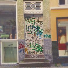An average number 16 in Copenhagen. #Denmark #Copenhagen #Kopenhagen #art #graffiti #graffitiart #publicart #streetart #sprayart #streetlife #streetphotography #citylife #urban #urbanlife #tags #travel #instatravel