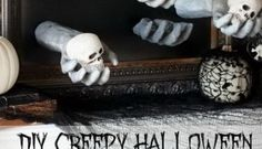 25 Easy and Cheap DIY Halloween Decoration Ideas 2017 Halloween is just around the corner. It is time to get into the Halloween spirit with some gorgeous and spooky decorations. Many people spend days making their homes look scary and fun. Cheap Halloween Decorations, Fun Halloween Crafts, Scary Decorations, Halloween Party Decor, Halloween 2019, Halloween Stuff, Halloween Ideas, Halloween Costumes, Halloween Porch