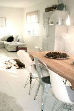 Love the white, grey and natural wood idea for a studio!