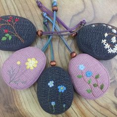 #Embriod #keyring #handmadecraft #craft #handmade #자수 열쇠집