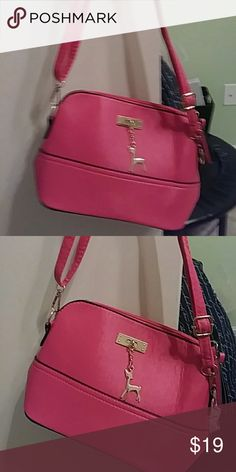 bc4fe215f69 Women s pink vintage purse Nice pink basically brand new purse Macy s Bags  Shoulder Bags  pursesmacys