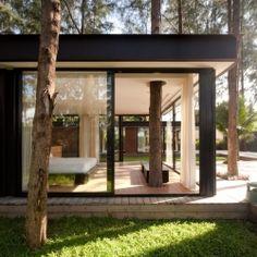a simple Thai home design