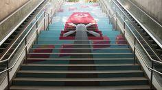 La escaleras del metro, convertidas en obras de arte Graffiti, Barcelona, Grande, Marketing, Home Decor, Digital Prints, Staircases, Impressionism, Artworks