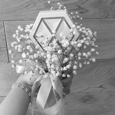 Chanyeol, Lightstick Exo, Exo Official, Kpop Merch, Shining Star, Kpop Aesthetic, Screen Wallpaper, Our Wedding, Bouquet