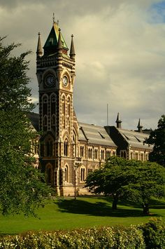University Clock Tower, University of Otago, Dunedin, New Zealand ... photo by Stephen Murphy