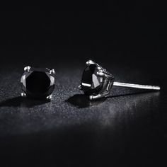 Hot Fashion white gold plated 6mm 4 Claws Crystal Men's Stud Earrings Black White Colors Man Jewelry Male party Earrings gifts