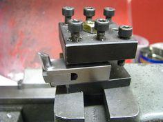 Tangential tool holder