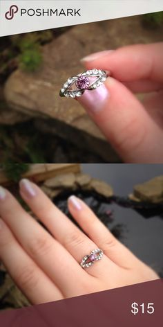 Silver tone rhinestone fashion ring Cute and simple rhinestone fashion ring. Jewelry Rings