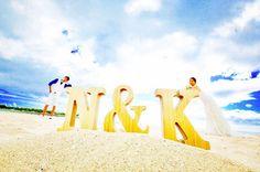 ハネムーンフォト  イニシャルでお遊び  #イニシャルオブジェ  #遠近法  #アラモアナビーチ  #hawaii #ハワイ  #cheersewedding #後撮り #ウェディングドレス #weddingdress  #ダイヤモンドヘッド #タキシード  #海 #ビーチ #beach #砂浜 #wedding #ウェディング #花嫁 #プレ花嫁 #卒花嫁レポ #日本中の卒花プレ花さんと繋がりたい