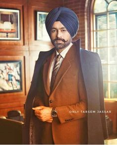 Wedding Men, Wedding Attire, Love Wallpapers Romantic, Punjabi Couple, Thing 1, Turban Style, Mens Attire, Formal Suits, Boy Poses