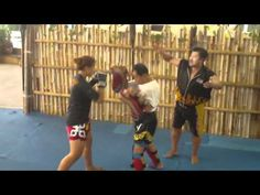 Thai Tuff Girl Peach Purahong trains Muay Thai with Grand Master Toddy - lovely sharp kicks and technique watch out for the great advice from Master Toddy. Damn, I really want to train at his gym!