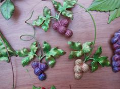 Wired berries to use in holiday decorations. Add to centerpieces, wreaths or make Christmas ornaments.